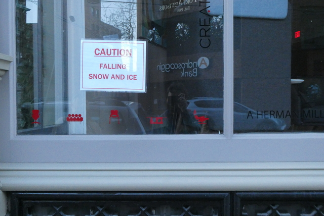 CAUTION FALLING SNOW AND ICE